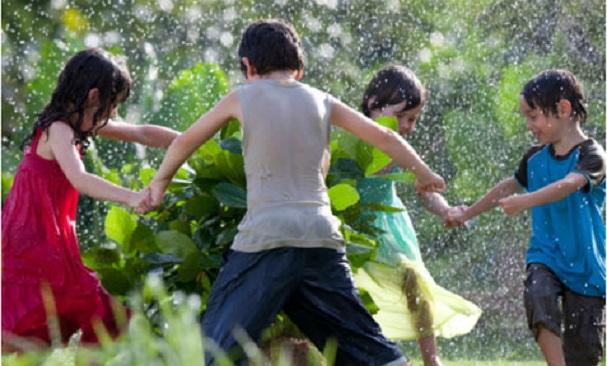 Kids-in-Rain-1